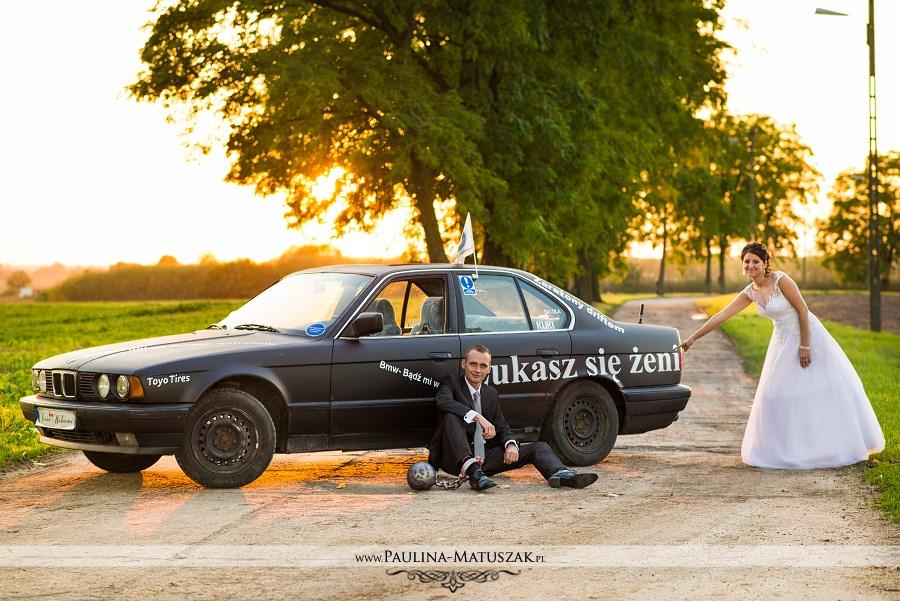 Sesja ślubna BMW palenie gumy